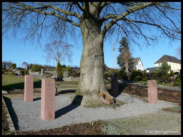 Das Kriegerdenkmal für die Gefallenen des Zweiten Weltkrieges der ehemaligen Gemeinde Nächstebreck-Schellenbeck.